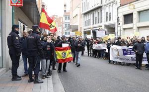Los policías aprovechan la visita de Rajoy a Palencia para demandar la equiparación laboral