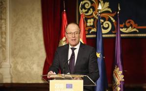 El comisario europeo apela al compromiso de todos para preservar el patrimonio