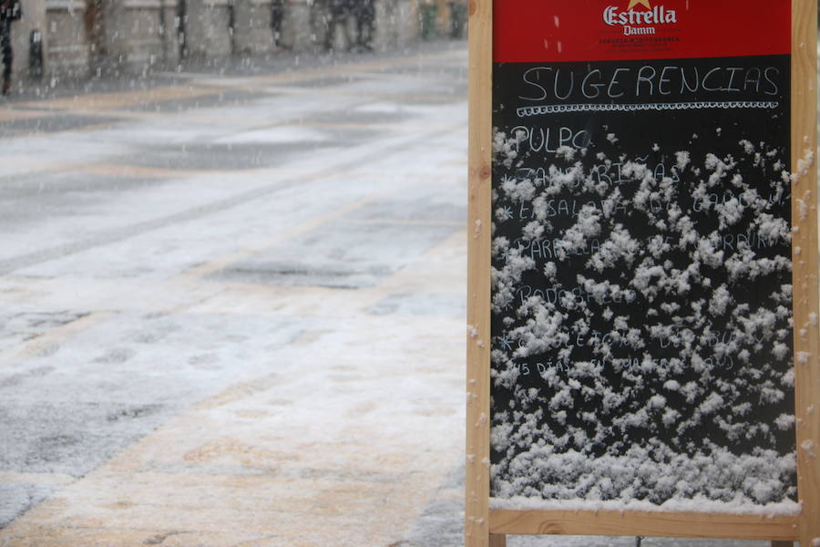 La nieve aterriza en León