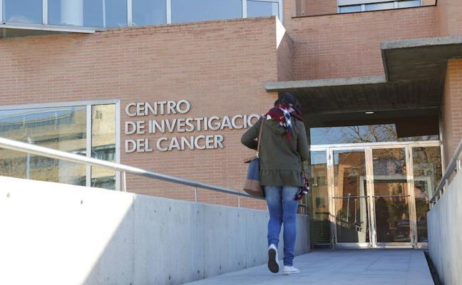 La AECC financia una investigación del Centro del Cáncer con 60.000 euros