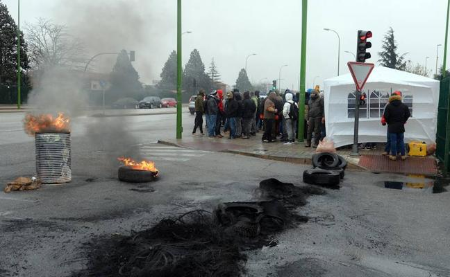 Desconvocada la huelga en Bridgestone tras «ceder» la empresa a las demandas sindicales