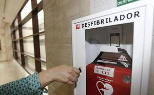 El Ayuntamiento de Aguilar adquiere dos desfibriladores