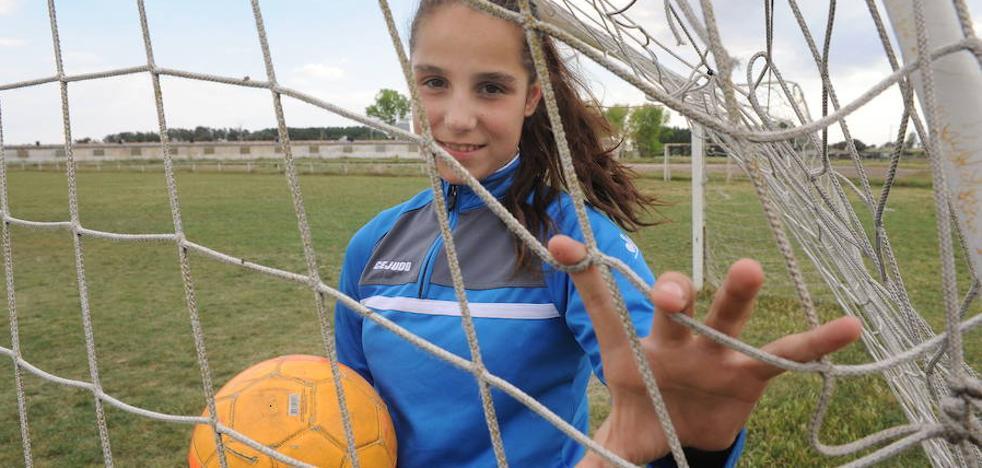 La Junta atribuye a «un error de inscripción» el caso de la niña futbolista de Zarzuela del Pinar