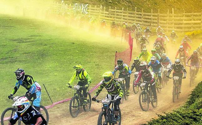 El ciclismo de montaña se rebela contra las ataduras del plan del Guadarrama