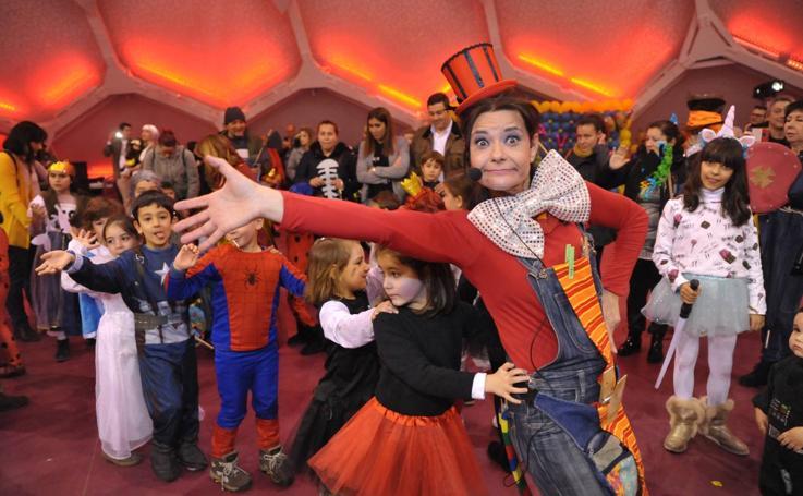 Martes de carnaval en la Cúpula del Milenio