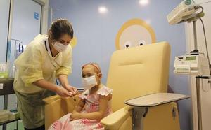 La prestación a padres de niños con cáncer se ampliará para los cuidados en casa