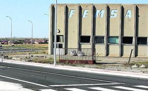 La antigua fábrica de Femsa, en la carretera de La Granja, albergará una nave para coches clásicos