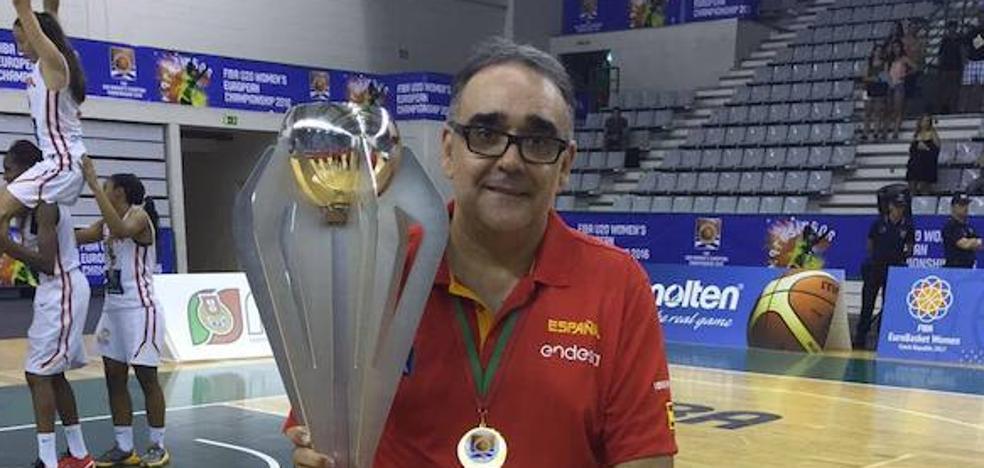 José Ignacio Hernández, maestro de ceremonias de la SuperLiga FEB Dia
