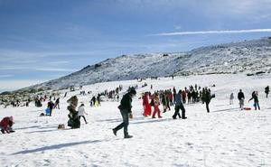 La estación de esquí de La Covatilla recibe cerca de 5.000 visitas en Carnavales