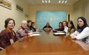 La capital conmemora el Día Internacional de la Mujer con un homenaje a tres salmantinas