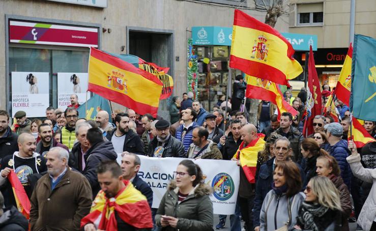 Miles de personas exigen igualdad salarial para Policía y Guardia Civil en Salamanca