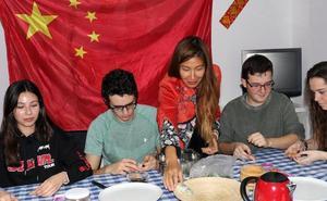La comunidad china de Valladolid celebra el año nuevo con actividades
