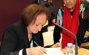 Ángela Hernández pone al día la biografía de Zorrilla y cataloga 372 enseres de su casa museo
