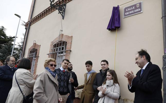 Palencia homenajea con una calle al periodista Pedro Miguel Barreda