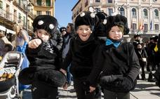 Segovia alarga el carnaval con el espectacular Domingo de Piñata