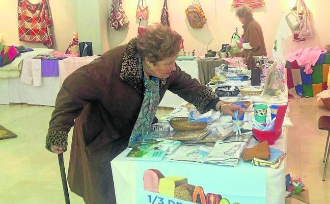 Artesanía y labores de Palencia en favor de Costa de Marfil