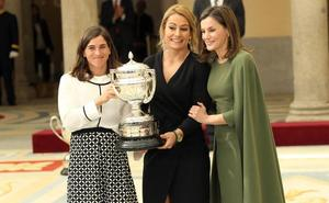 Honores 'reales' para Lydia Valentín
