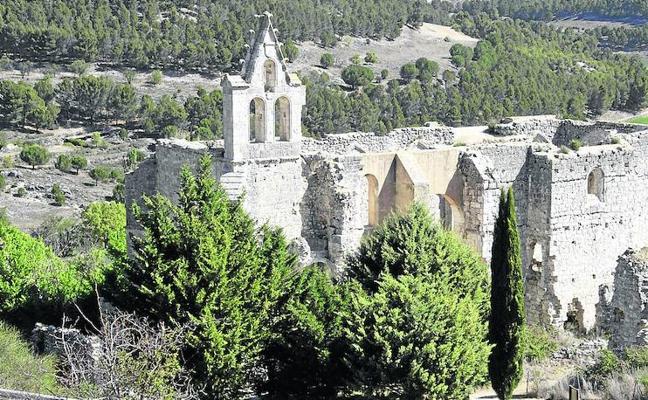 Descubren que un anticuario vendió al Louvre parte de la sillería del monasterio vallisoletano de la Armedilla