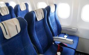 Las personas con sobrepeso deberían ocupar otros asientos en los aviones, según una encuesta