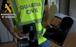 Detenidas dos personas por estafa en la venta de libros a domicilio