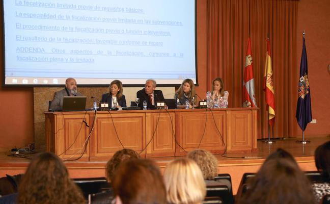 Los funcionarios de Palencia se forman en cómo gestionar ayuda