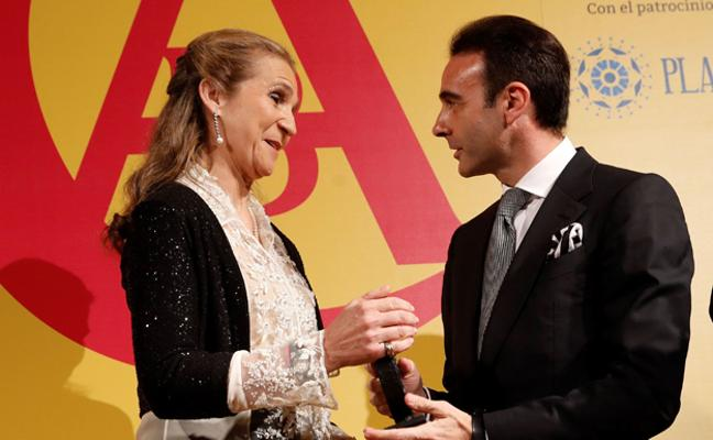 La infanta Elena recibe el X Premio Taurino ABC