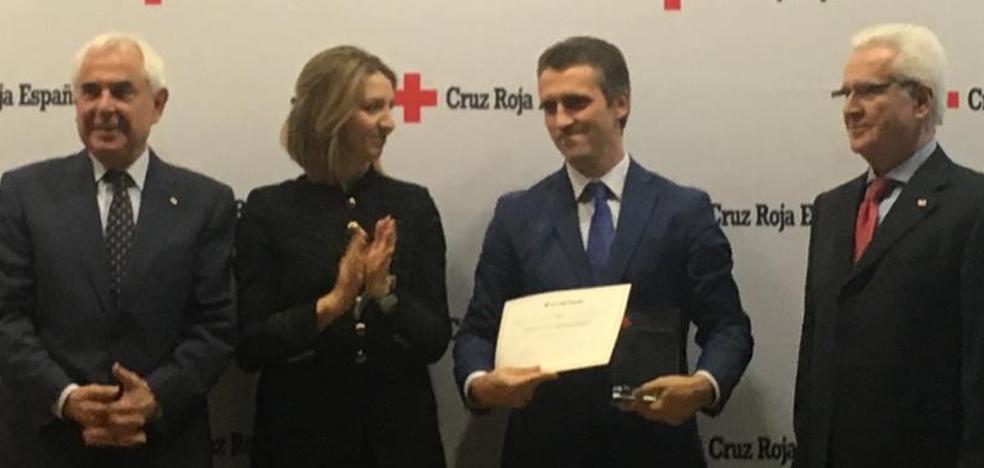 Cruz Roja distingue a Prosol y Trapa por su compromiso social durante la crisis