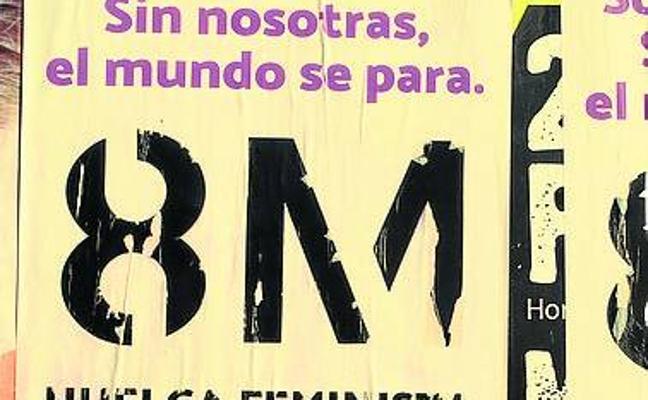 Tres feministas denunciadas por pegar carteles de la huelga del 8M en el Mercado de Delicias