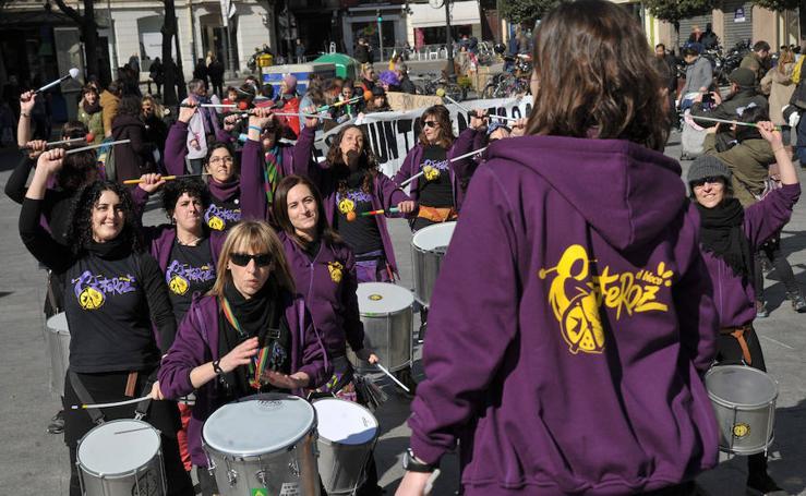 Batucada en Valladolid en apoyo a la huelga feminista