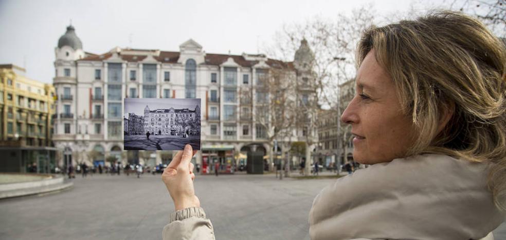 Recuperan una colección de fotos antiguas desde el balcón de la Casa Mantilla