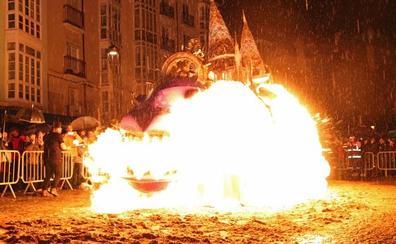 La oposición exige depurar responsabilidades por la explosión de la quema de la sardina
