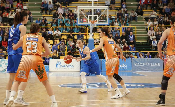 Partido de baloncesto entre el CB Avenida y el Quesos El Pastor de Zamora