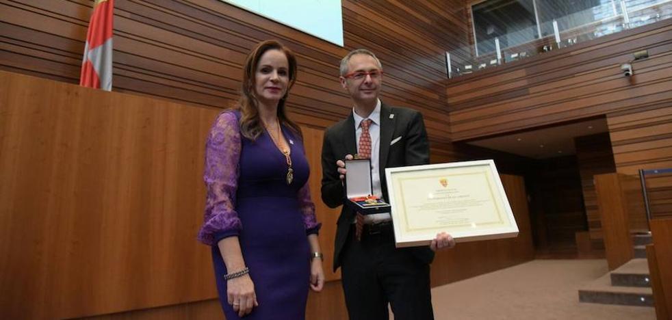 Rivero defiende la presencia de la Usal «en todos los grandes momentos del devenir democrático» de Castilla y León