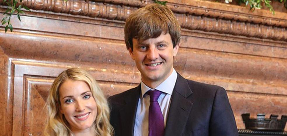 Ernst August de Hannover y Ekaterina Maysheva presumen de paternidad