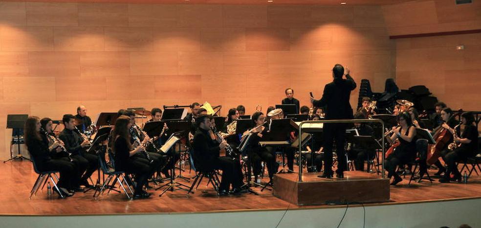 La Banda Tierra de Segovia eleva su música solidaria al Himalaya