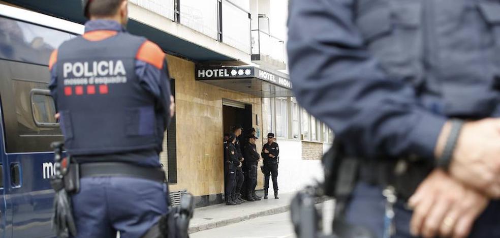 Un informe de la Policía acusa a los Mossos de seguimientos sobre políticos, abogados y periodistas contrarios al procés