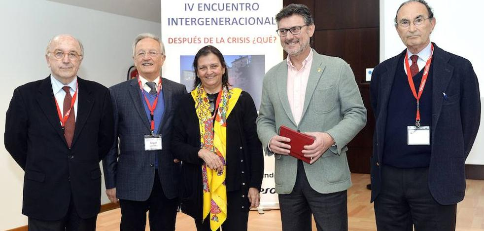 Rubalcaba, Santi Vila y Joaquín Almunia participan en un foro intergeneracional