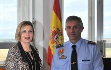 La presidenta de Adventia estrecha lazos con la base aérea de Matacán