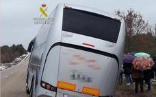 La Guardia Civil auxilia a 29 personas que viajaban en autobús entre Ferreras de Abajo y Tábara