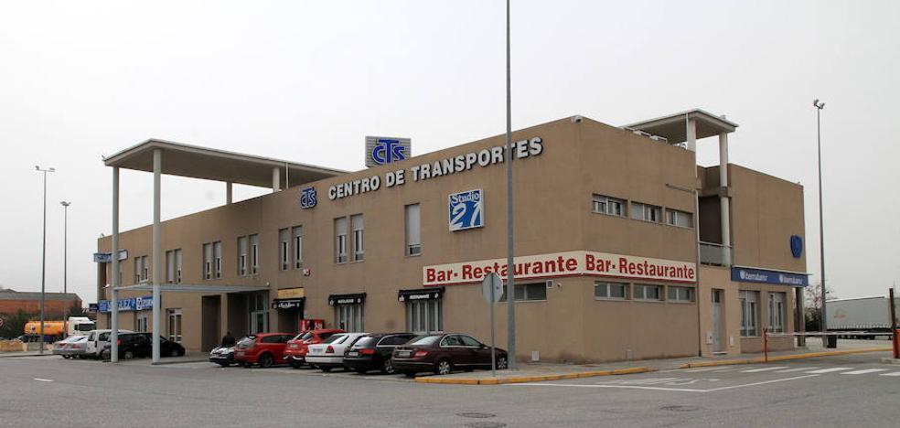 Los transportistas galardonan con el Acueducto de Plata a El Norte de Castilla