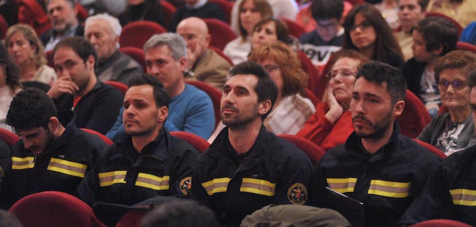 Los Bomberos reivindican en Valladolid la necesidad de más efectivos en el cuerpo