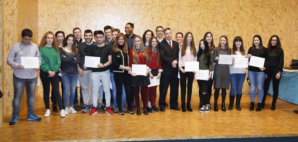 El Montessori y el Fray Luis de León triunfan en el concurso empresarial