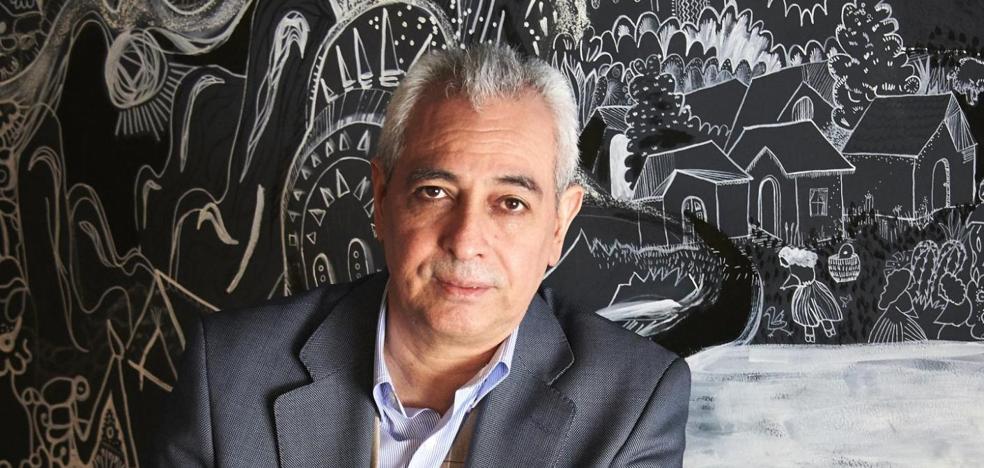 Benavides gana el Premio Fernando Quiñones con una novela negra sobre el mundo editorial