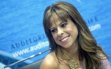 Pastora Soler: «Recibí canciones dedicadas a mi hija, pero algo tan personal tenía que escribirlo yo»