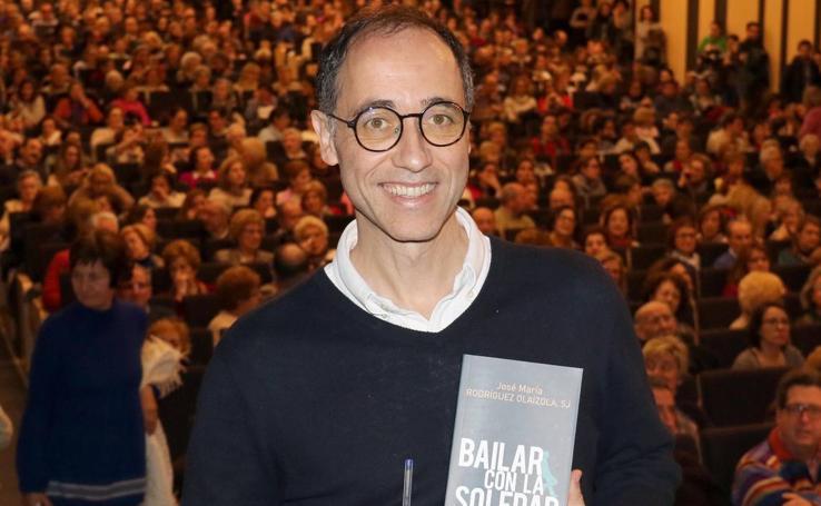 El sociólogo jesuita José María Rodríguez Olaizola presenta en Valladolid 'Bailar con la soledad'