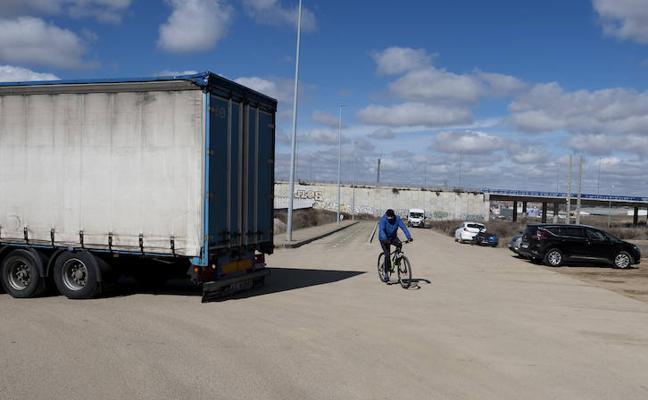 Una reforma integral permitirá eliminar los riesgos del carril bici hacia La Cistérniga