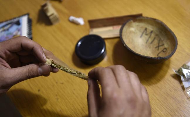 Crece el consumo de tabaco, cannabis e hipnosedantes entre los menores en España, pero baja el de alcohol