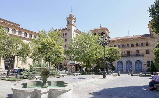 Tildan de «inadmisible» la idea consistorial para la plaza de Los Bandos
