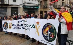 Más de 300 personas piden la igualdad salarial para policías y guardias civiles
