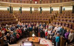 Muñopedro ocupa los escaños del Congreso por unas horas